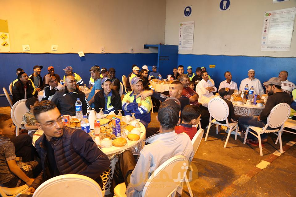 16إفطار جماعي لعمال سيطا بوجدة