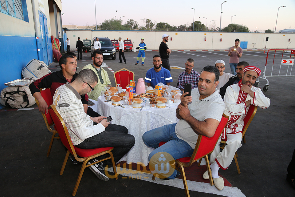17إفطار جماعي لعمال سيطا بوجدة